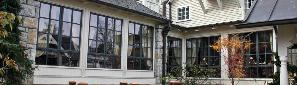 Old-Edwards-Inn,-Highlands,-NC-November