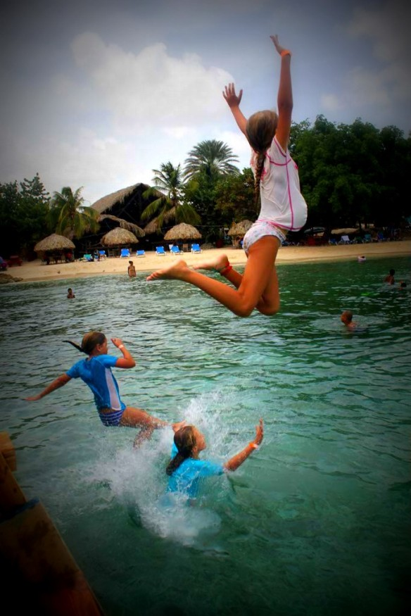Kids-Playing-Curacao